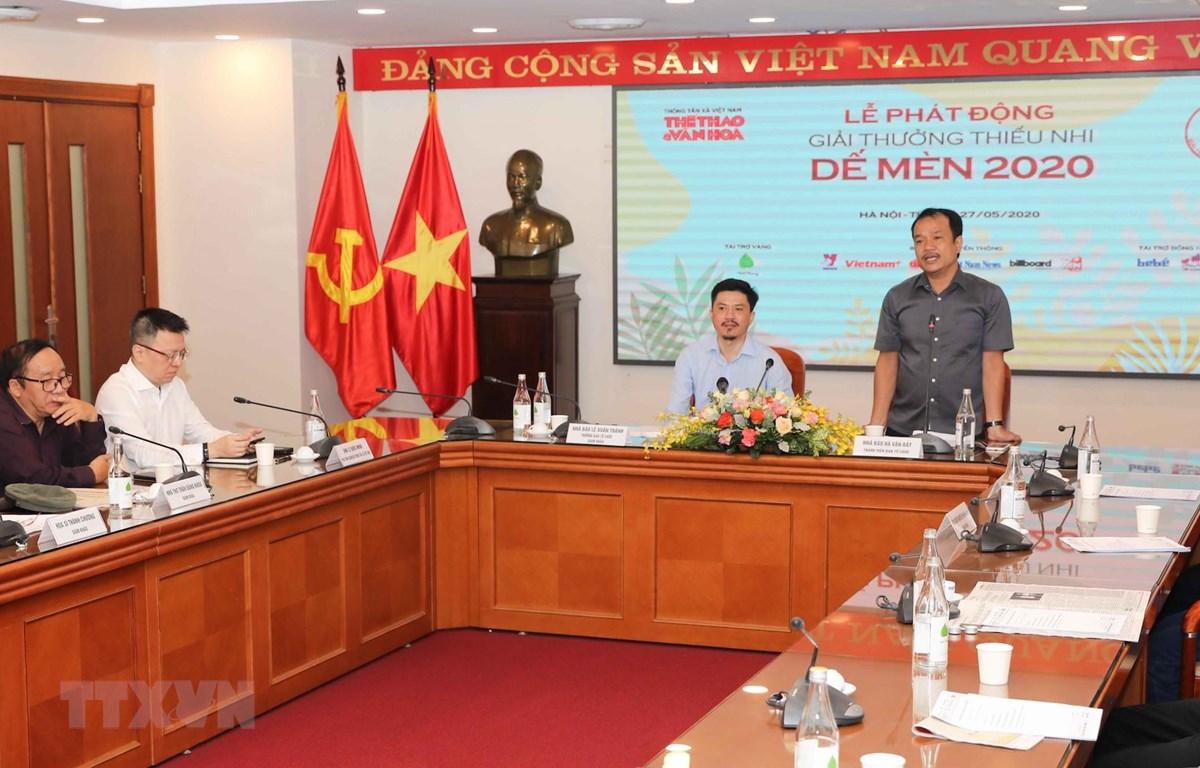 Giải thưởng Dế Mèn do Báo Thể thao và Văn hóa (Thông tấn xã Việt Nam) tổ chức. (Ảnh: TTXVN)