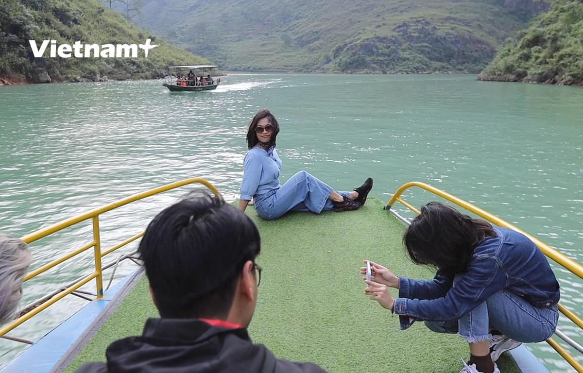 """Hẻm vực Tu Sản trở thành địa điểm """"check in"""" được khách du lịch yêu thích (Ảnh: Lâm Phan/Vietnam+)"""