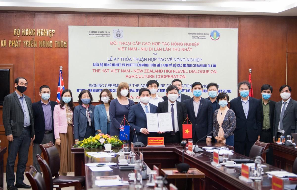 Lễ ký kết diễn ra tại Bộ Nông nghiệp và Phát triển nông thôn. (Ảnh: Đại sứ quán New Zealand cung cấp)
