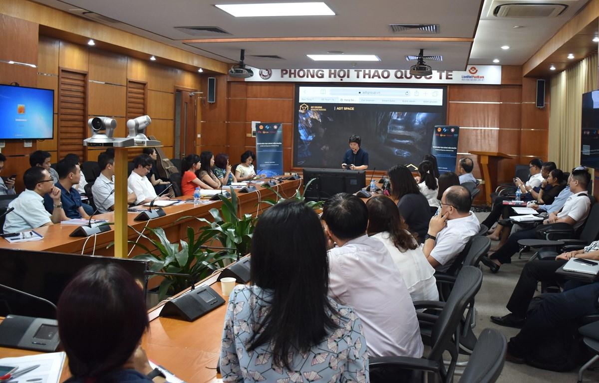 Chương trình đào tạo đã thu hút được sự tập trung cao độ của các giảng viên. (Ảnh: PV/Vietnam+)