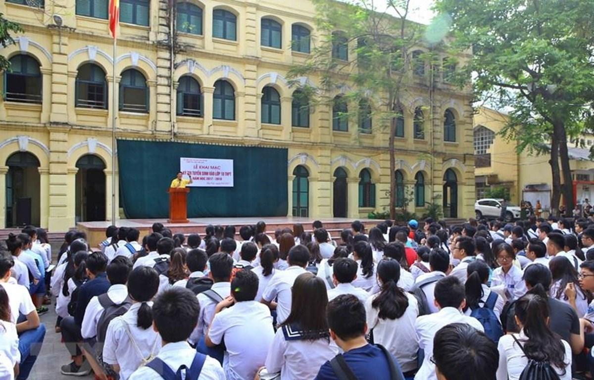 Học sinh Hà Nội dự thi vào lớp 10. (Ảnh: Minh Quyết/TTXVN)