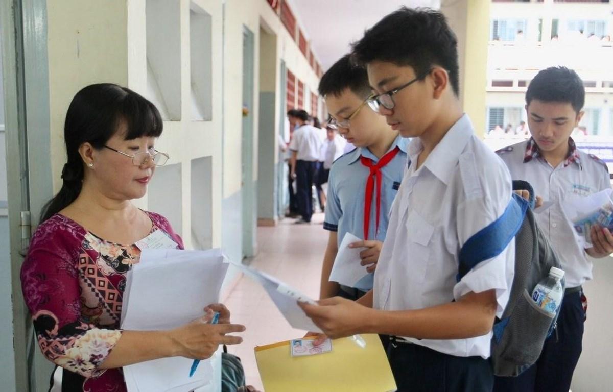 Học sinh dự thi vào lớp 10. (Ảnh: TTXVN)