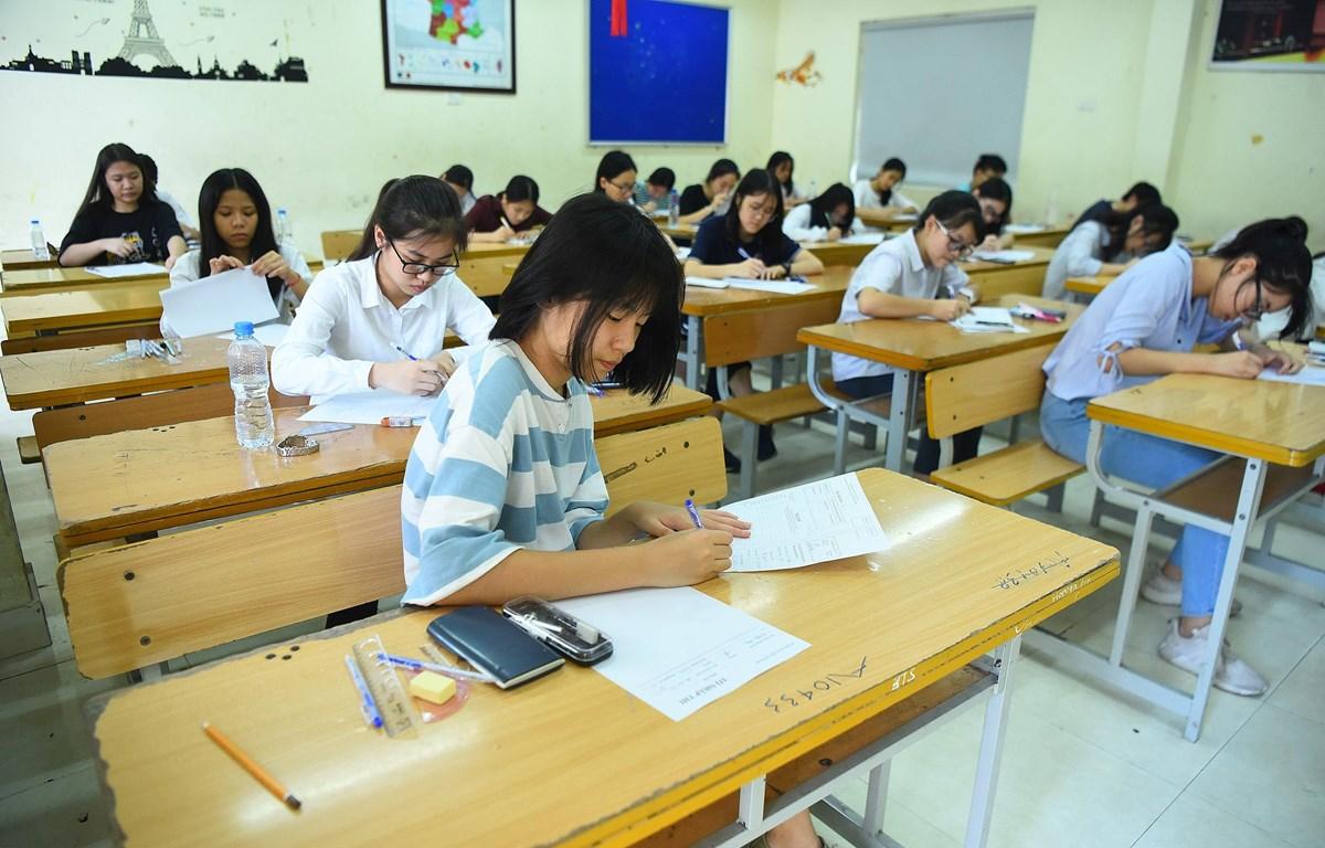 Học sinh Hà Nội dự thi vào lớp 10 trung học phổ thông. (Ảnh: Thanh Tùng/Vietnam+)