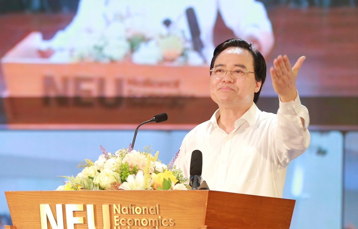 Bộ trưởng Bộ Giáo dục và Đào tạo Phùng Xuân Nhạ phát biểu chỉ đạo tại Hội nghị. (Ảnh: PV/Vietnam+)
