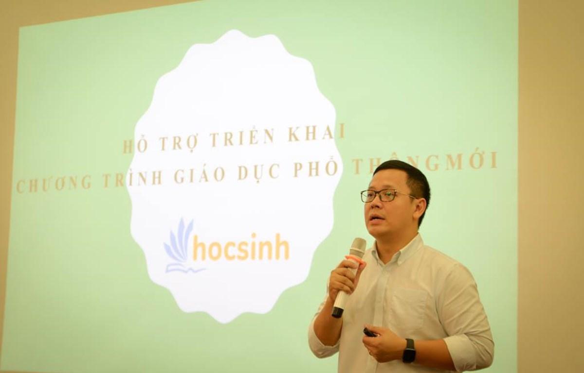 Ông Lê Anh Vinh giới thiệu về cổng giáo dục trực tuyến hocsinh.edu.vn. (Ảnh: PV/Vietnam+)