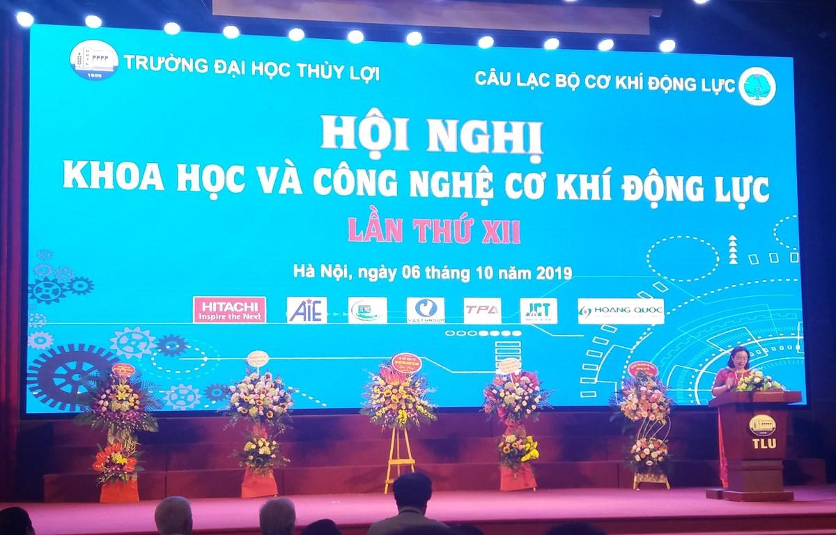 Hội nghị đã thu hút sự tham gia của hàng trăm nhà khoa học đến từ 38 trường đại học, học viện, viện nghiên cứu trên cả nước. (Ảnh: PV/Vietnam+)