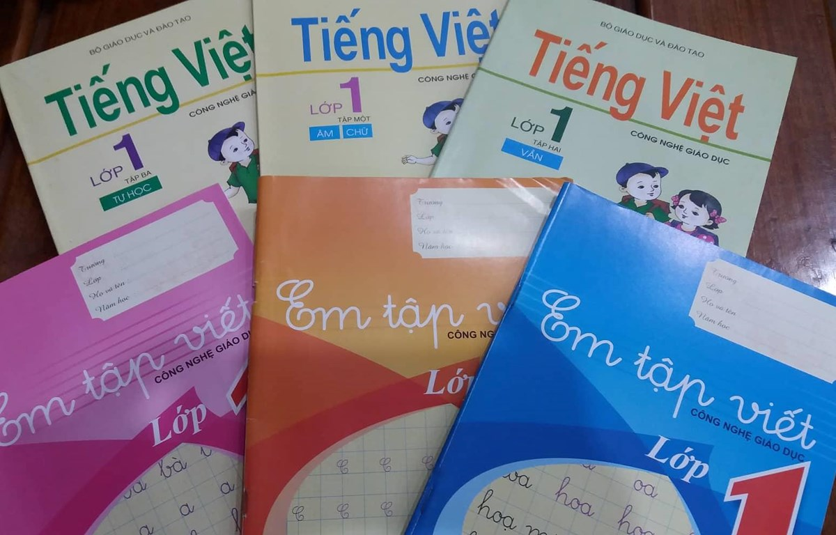 Sách Tiếng Việt lớp 1 công nghệ giáo dục. (Ảnh: Phạm Mai/Vietnam+)