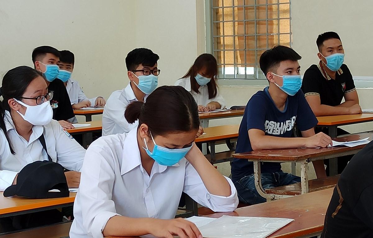 Thí sinh dự thi Tốt nghiệp Trung học phổ thông. (Ảnh: Phạm Mai/Vietnam+)