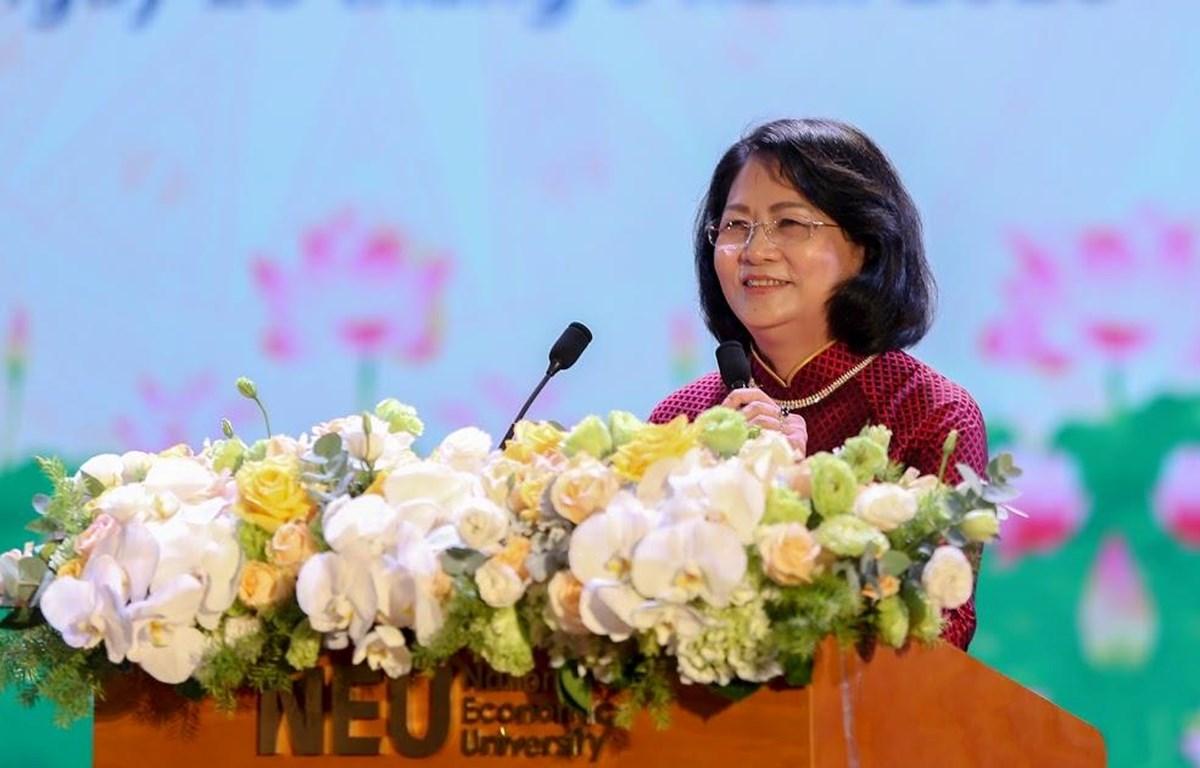 Phó Chủ tịch nước Đặng Thị Ngọc Thịnh phát biểu tại Đại hội thi đua yêu nước ngành giáo dục. (Ảnh: PV/Vietnam+)