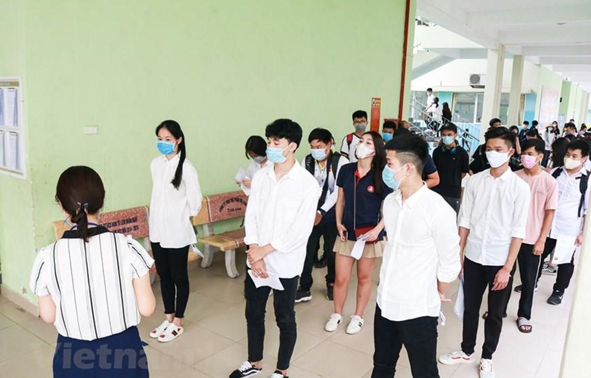 Học sinh Hà Nội dự thi Tốt nghiệp Trung học phổ thông năm 2020. (Ảnh: PV/Vietnam+)