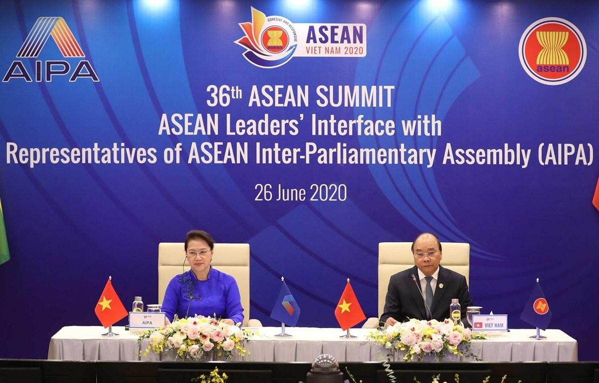 Trong ảnh: tịch ASEAN 2020 và Chủ tịch Quốc hội Nguyễn Thị Kim Ngân, Chủ tịch Hội đồng Liên Nghị viện ASEAN (AIPA) lần thứ 41 chủ trì Đối thoại giữa các Nhà lãnh đạo ASEAN và AIPA. Ảnh: Thống Nhất - TTXVN