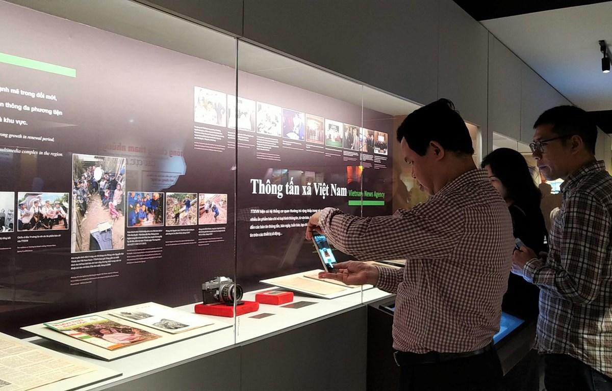 Các hiện vật về Thông tấn xã Việt Nam được trưng bày tại vị trí trang trọng của Bảo tàng Báo chí. (Ảnh: Minh Thu/Vietnam+)