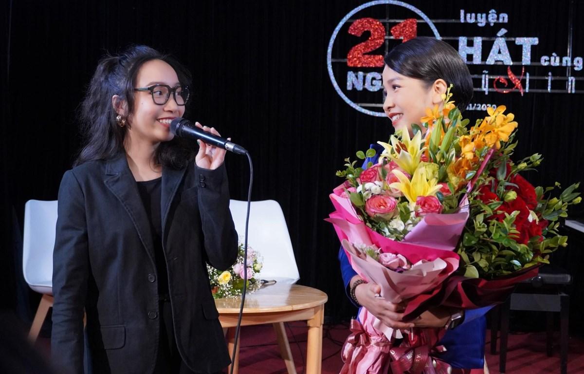 Ca sỹ Mỹ Linh và con gái Mỹ Anh tại lễ công bố dự án. (Ảnh: NVCC)