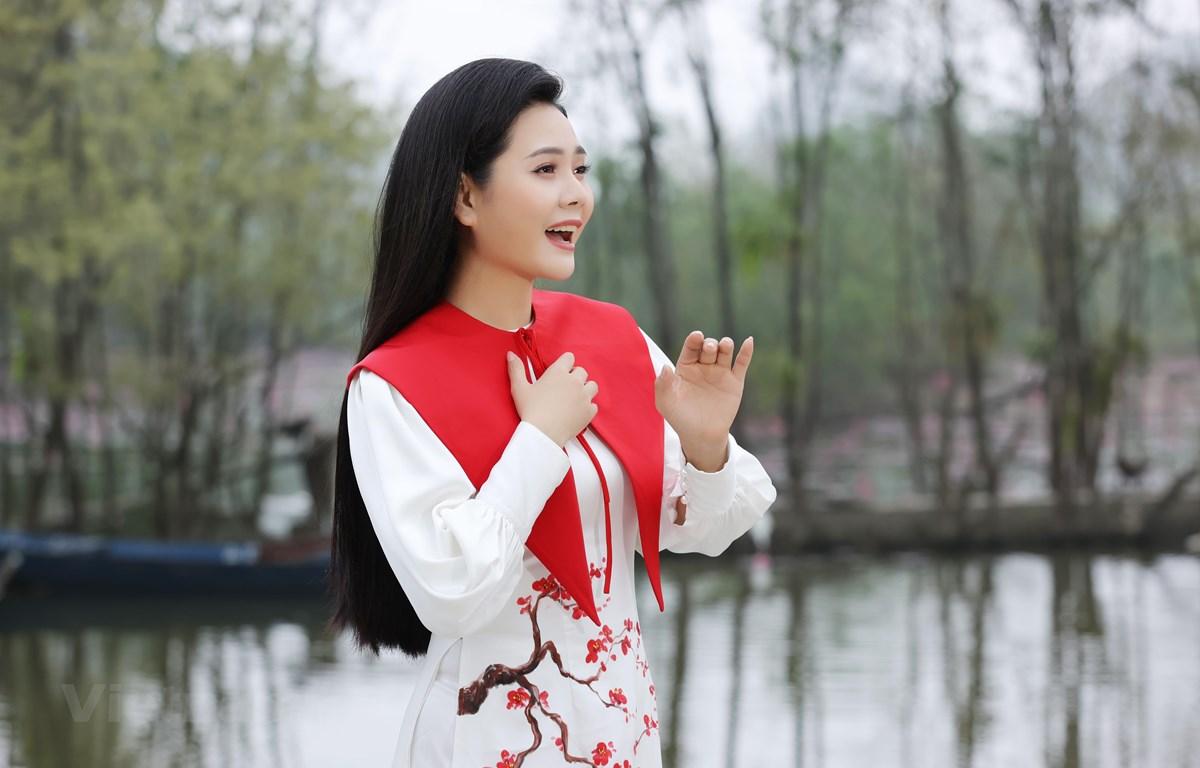 Ca sỹ Lương Nguyệt Anh thể hiện chất giọng ngọt ngào, đậm chất dân gian trong MV mới. (Ảnh: NVCC)