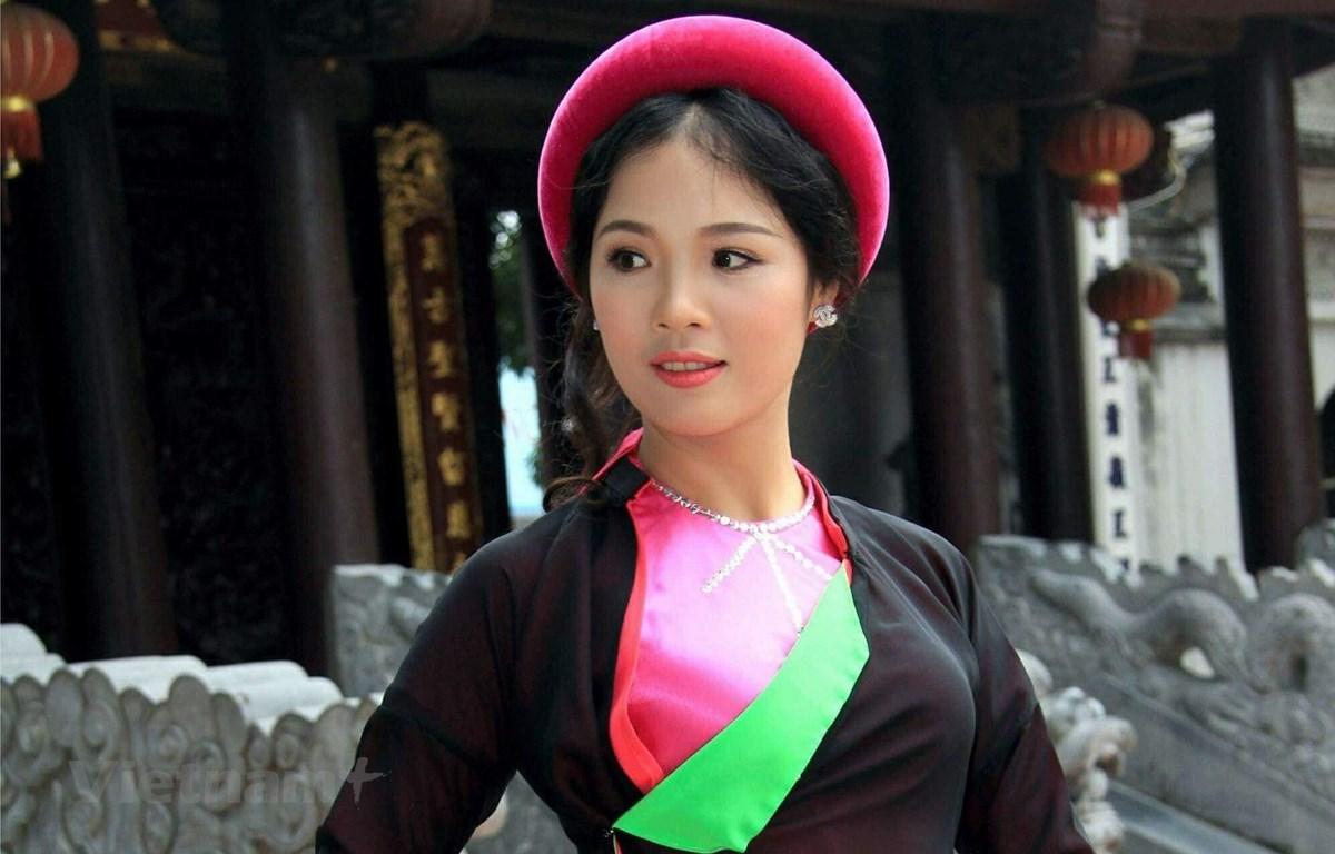 Ca sỹ Trang Viên vừa ra mắt bài hát đầy cảm xúc về những người phụ nữ trong chiến tranh, (Ảnh: NVCC)