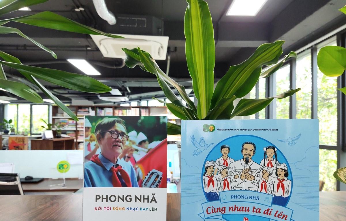 Nhà xuất bản Kim Đồng giới thiệu 2 cuốn sách mới nhân kỷ niệm 80 năm ngày thành lập Đội Thiếu niên tiền phong Hồ Chí Minh. (Ảnh: PV/Vietnam+)