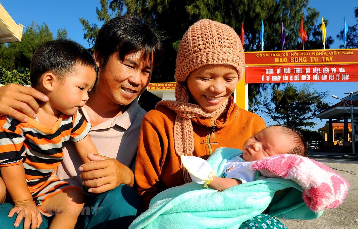 Gia đình hạnh phúc. (Ảnh minh họa: Nguyễn Á/Vietnam+)
