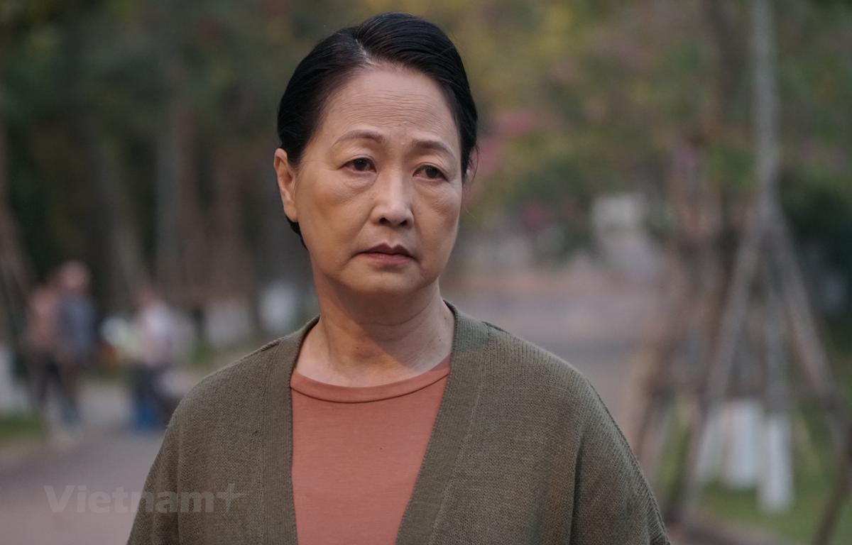 """Nghệ sỹ nhân dân Như Quỳnh vào vai bà Dần trong phim """"Hương vị tình thân."""" (Ảnh: VFC)"""
