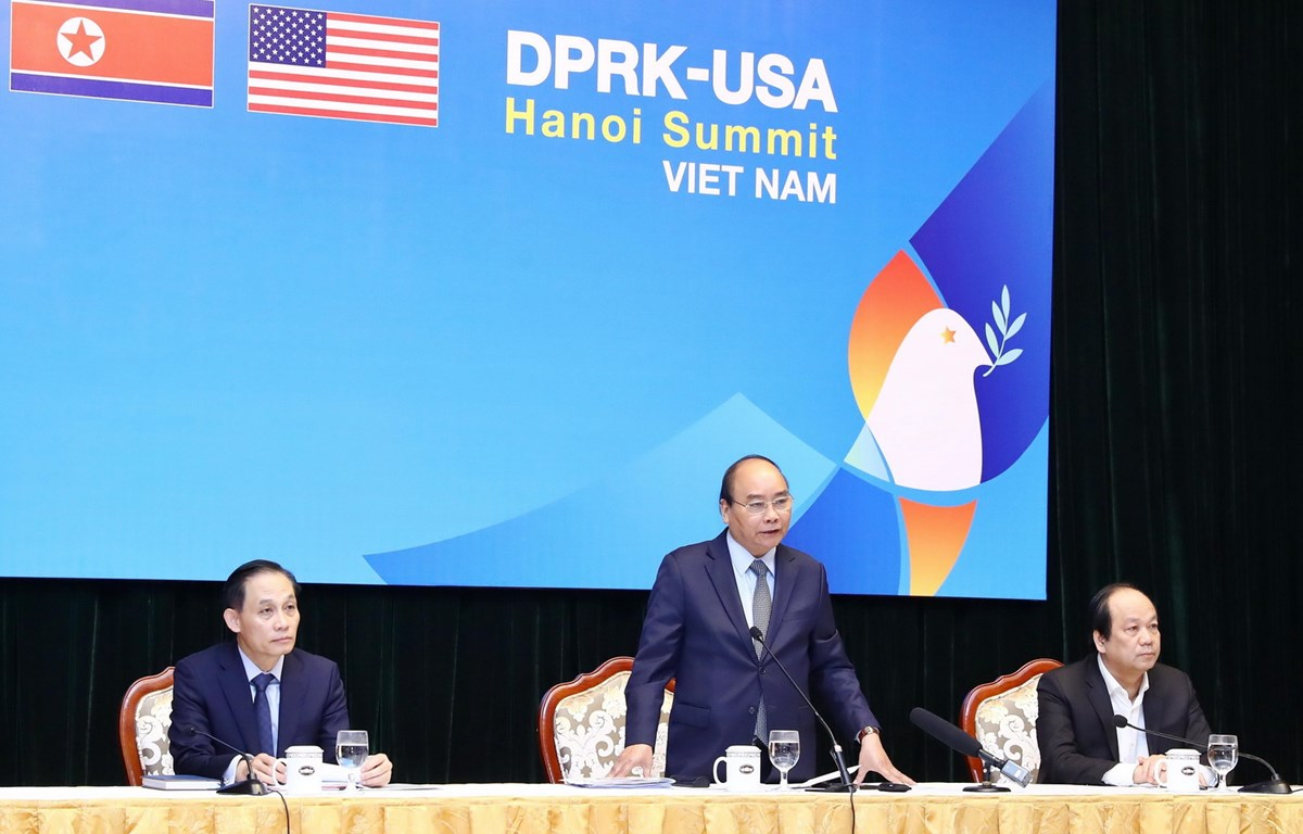 Thủ tướng Nguyễn Xuân Phúc chủ trì buổi làm việc giữa các bộ, ngành, thành phố Hà Nội chuẩn bị cho Hội nghị Thượng đỉnh Mỹ - Triều Tiên lần thứ hai. (Ảnh: TTXVN)