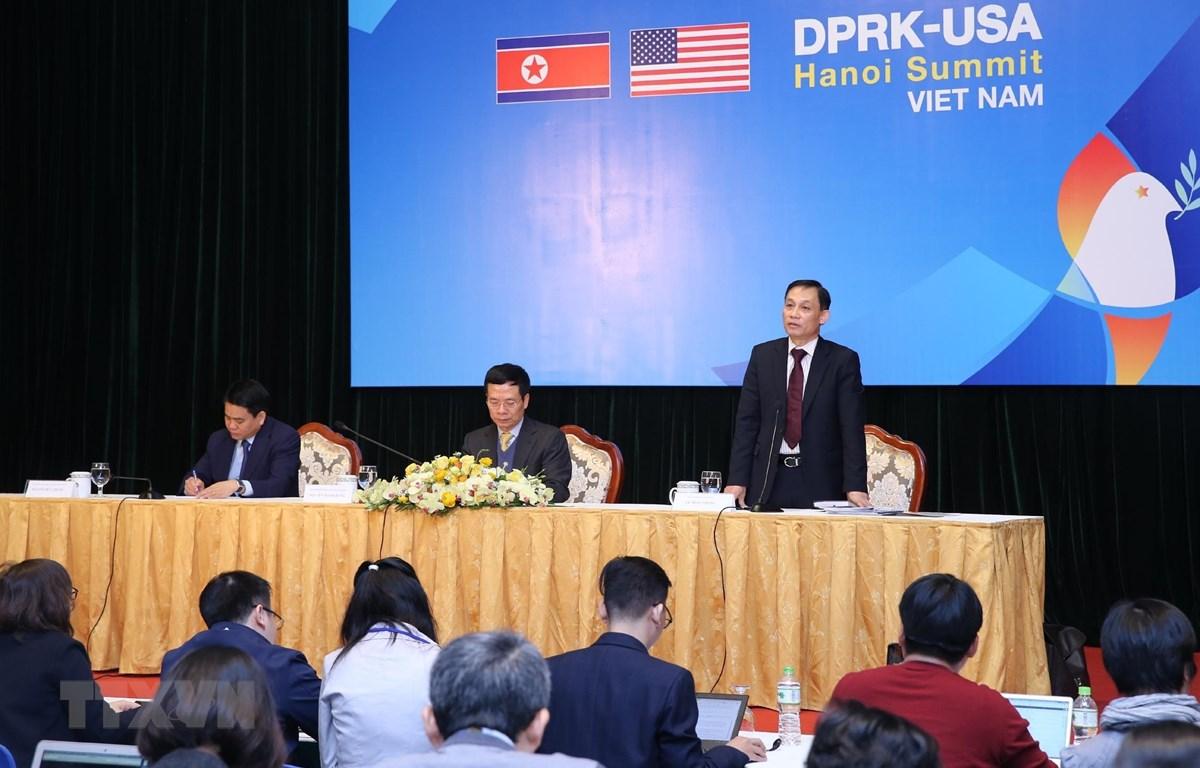 Thứ trưởng Bộ Ngoại giao Lê Hoài Trung phát biểu tại Họp báo quốc tế về công tác chuẩn bị Hội nghị Thượng đỉnh Hoa Kỳ-Triều Tiên lần thứ hai. (Ảnh: Lâm Khánh/TTXVN)