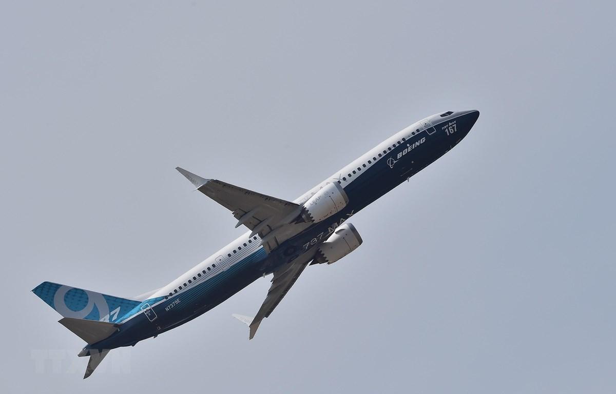Máy bay 737 MAX 9 của Boeing trình diễn tại Triển lãm hàng không quốc tế Paris ở Le Bourget, ngoại ô Paris, Pháp, ngày 22/6/2017. (Nguồn: AFP/TTXVN)