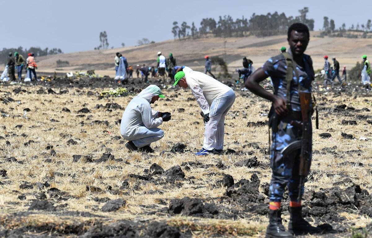 Hiện trường vụ tai nạn máy bay của hãng hàng không Ethiopian Airlines tại làng Hama Quntushele, khu vực Oromia, Ethiopia, ngày 13/3/2019. (Nguồn: AFP/TTXVN)