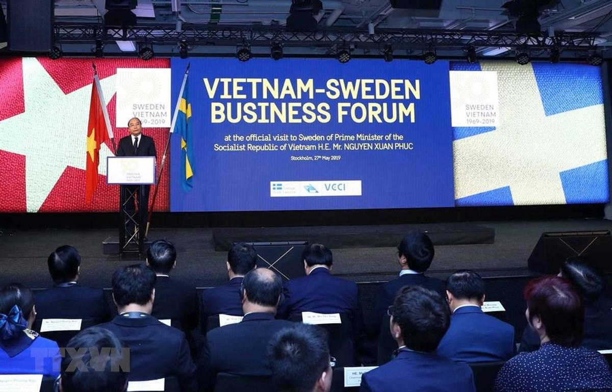 Thủ tướng Nguyễn Xuân Phúc phát biểu tại diễn đàn Doanh nghiệp Việt Nam-Thụy Điển. (Ảnh: Thống Nhất/TTXVN)