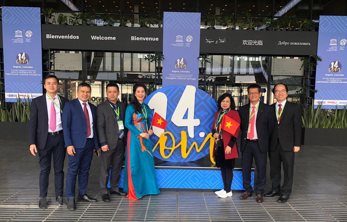 Đoàn đại biểu Việt Nam tại Phiên họp Ủy ban Liên Chính phủ Công ước 2003 về bảo vệ di sản văn hóa phi vật thể lần thứ 14 của Tổ chức Giáo dục, Khoa học và Văn hóa Liên hợp quốc (UNESCO) diễn ra tại Bogota (Colombia). (Nguồn: TTXVN)