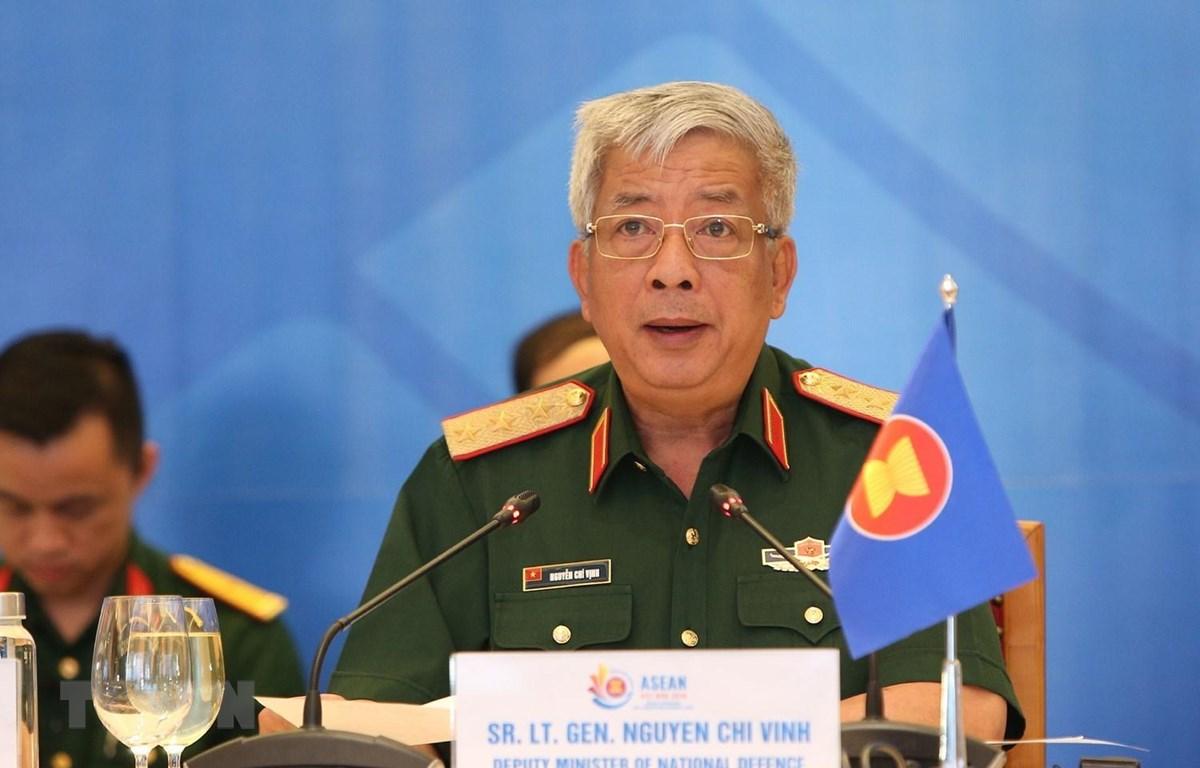 Thượng tướng Nguyễn Chí Vịnh, Thứ trưởng Bộ Quốc phòng, Trưởng SOM Việt Nam, chủ trì hội nghị. (Ảnh: Dương Giang/TTXVN)