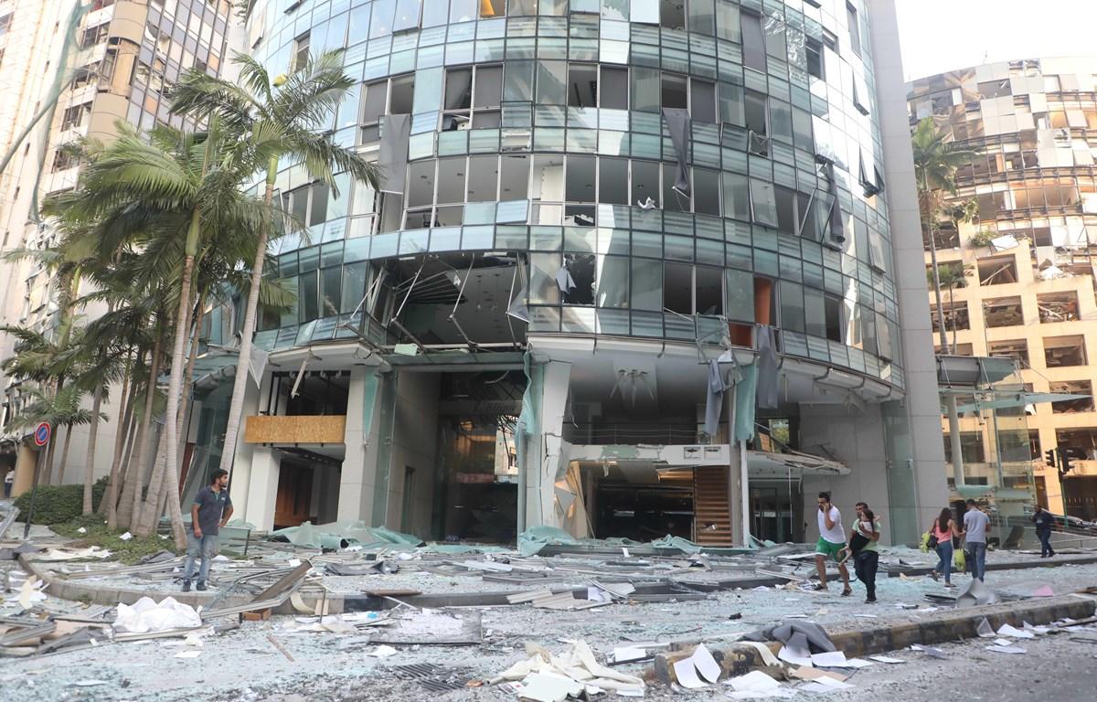 Các tòa nhà bị phá hủy sau vụ nổ kinh hoàng tại Beirut, Liban, ngày 4/8/2020. (Nguồn: THX/TTXVN)