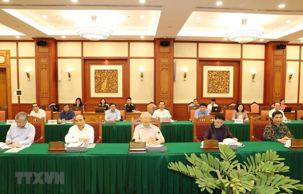 Tổng Bí thư, Chủ tịch nước Nguyễn Phú Trọng, Bí thư Quân ủy Trung ương phát biểu kết luận buổi làm việc với Ban Thường vụ Quân ủy Trung ương. (Ảnh: Trí Dũng/TTXVN)
