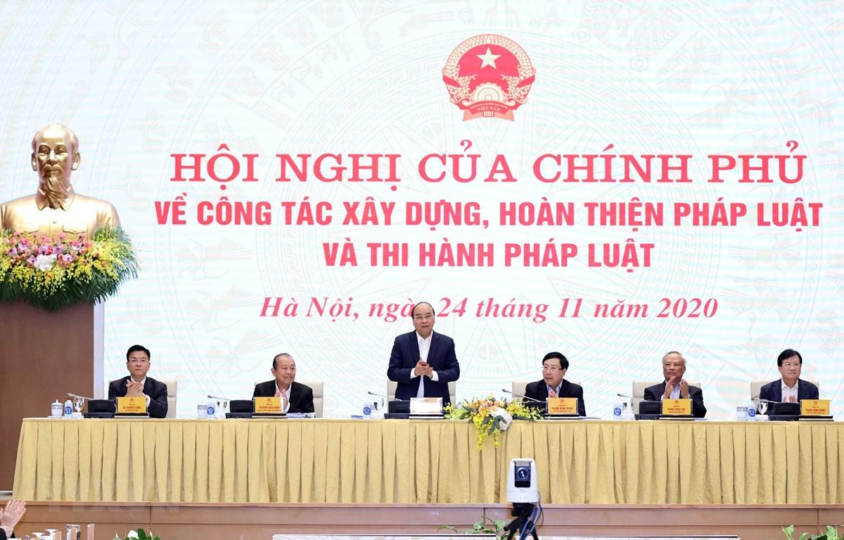 Thủ tướng Nguyễn Xuân Phúc chủ trì Hội nghị. (Ảnh: Thống Nhất/TTXVN)