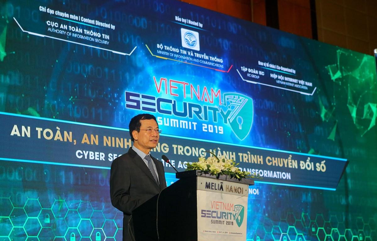 Bộ trưởng Nguyễn Mạnh Hùng khẳng định Hội thảo về an toàn, an ninh mạng Việt Nam sẽ được tổ chức thường niên. (Ảnh: Minh Sơn/Vietnam+)