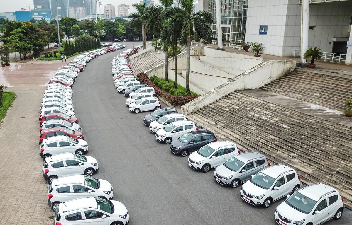 Hàng trăm xe Fadil đã có mặt tại Hà Nội sẵn sàng bàn giao cho khách trong ngày 17/6. (Ảnh: Minh Sơn/Vietnam+)