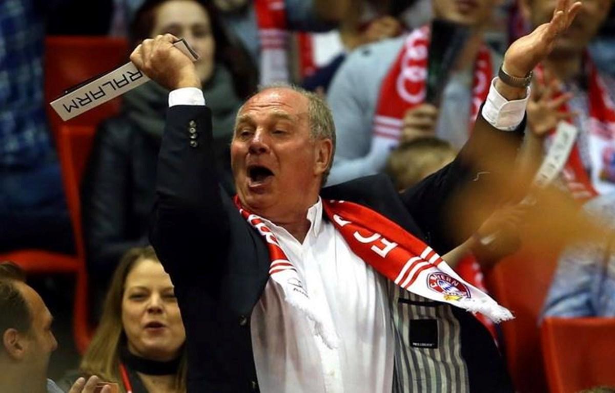 Những ăn mừng vô cùng nhiệt huyết của Uli -một hình ảnh mang tính biểu tượng của Bayern (Nguồn: Fcb.de)