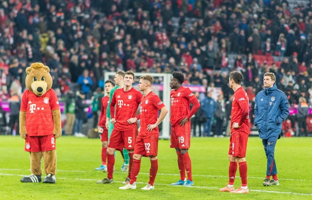 Các cầu thủ Bayern rầu rĩ sau trận thua đầy xui xẻo ngay tại sân nhà ở vòng đấu thứ 13 Bundesliga (Nguồn: Fcb.de)