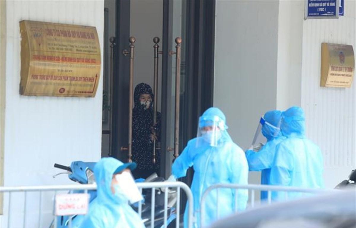 Địa điểm 91 Đinh Tiên Hoàng bị phong tỏa do có trường hợp dương tính với SARS-CoV-2 (Ảnh: Phan Tuấn Anh/TTXVN)