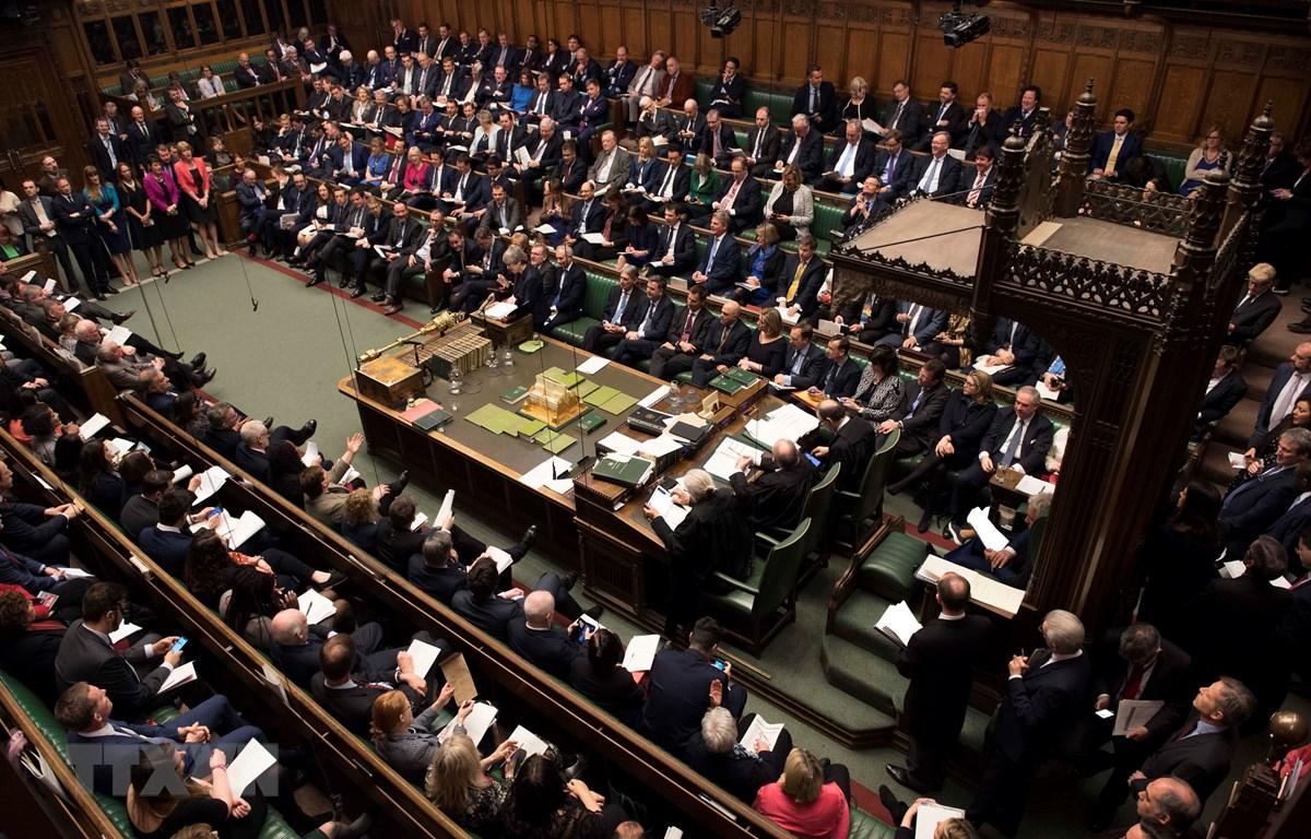 Toàn cảnh phiên họp của Hạ viện Anh ở London. (Nguồn: THX/TTXVN