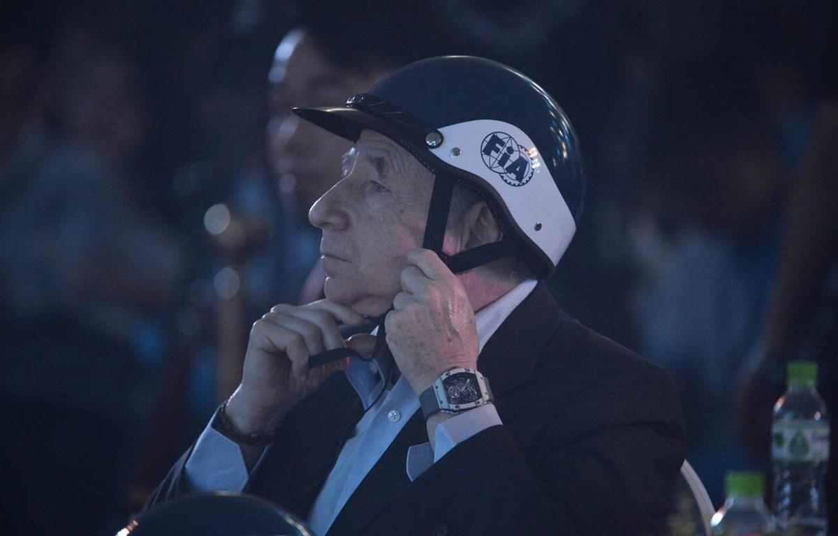 Ông Jean Todt cho biết, việc đội mũ bảo hiểm đạt chuẩn và đúng cách đã cứu 15.000 sinh mạng trong 10 năm qua. (Nguồn: Vietnam+)