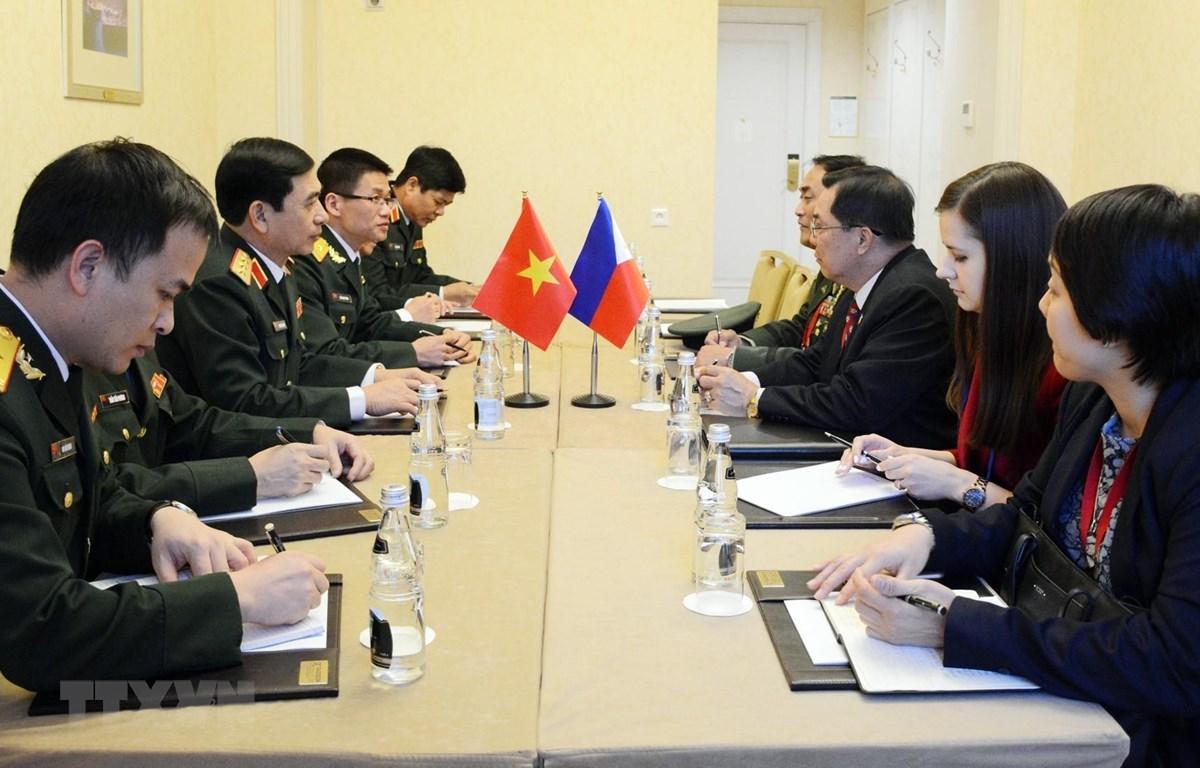Thượng tướng Phan Văn Giang hội kiến với Trung tướng Cardozo M . Luna. (Nguồn: TTXVN)