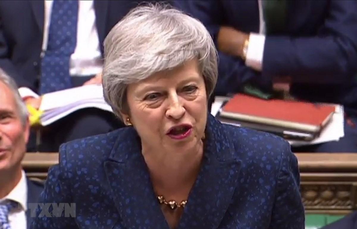 Thủ tướng Anh Theresa May phát biểu tại một cuộc họp ở London, Anh. (Ảnh: THX/TTXVN)