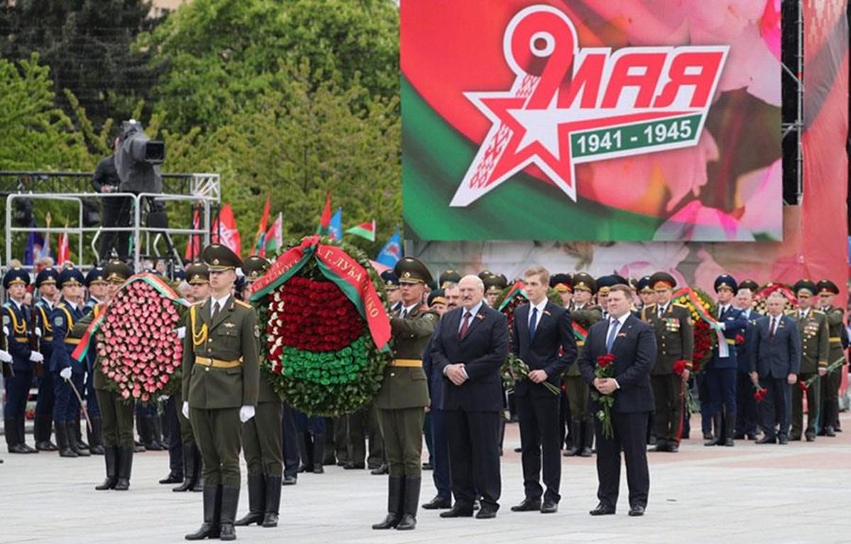 Hoạt động kỷ niệm chiến thắng phátxít tại Belarus. (Ảnh: AFP/ TTXVN)