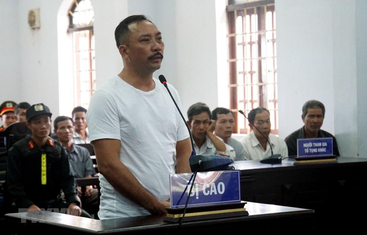 Bị cáo Phan Hữu Phượng tại phiên tòa. (Ảnh: Hưng Thịnh/TTXVN)
