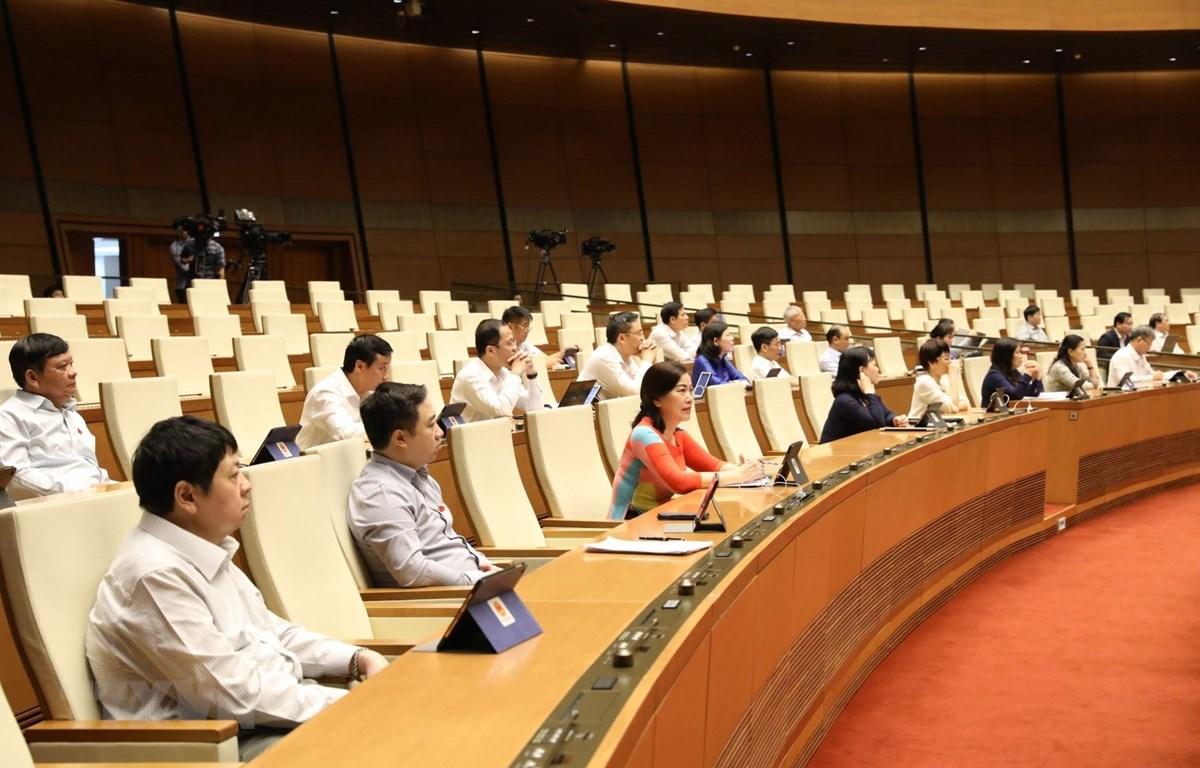 Các đại biểu Quốc hội tại phiên họp. (Ảnh: Văn Điệp/TTXVN)