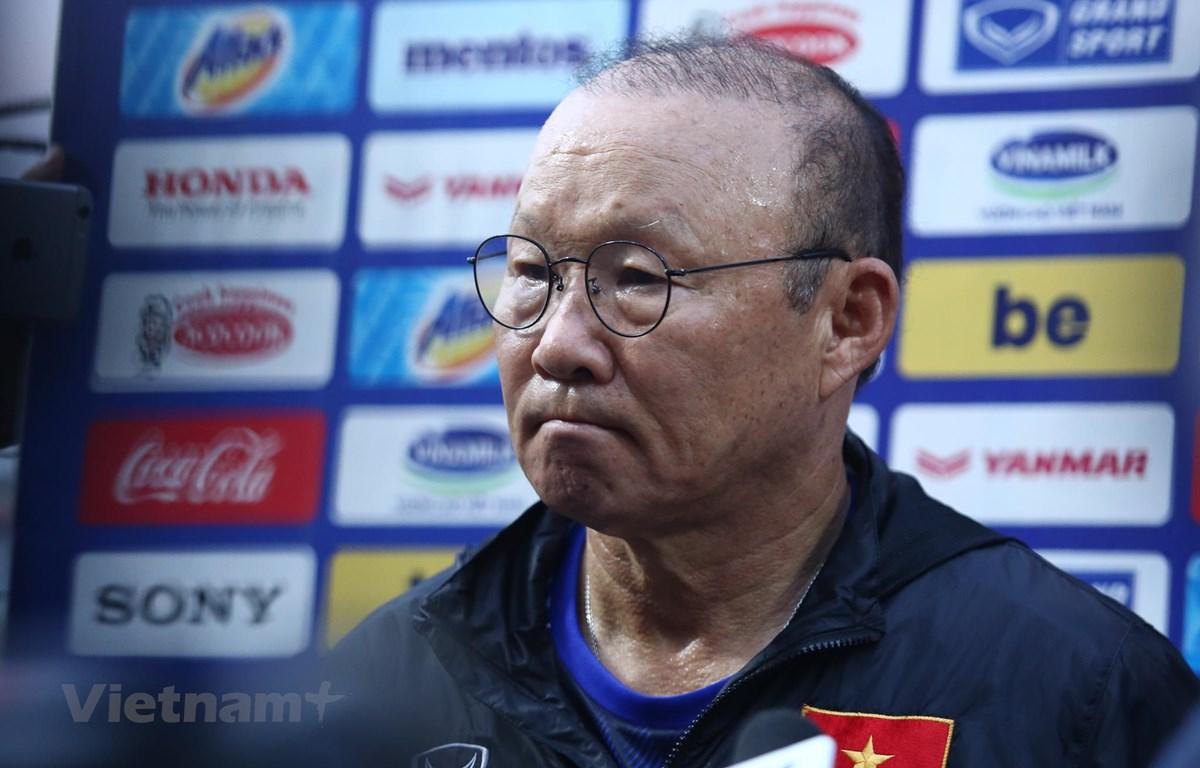 Huấn luyện viên Park Hang-seo phân tích rất kỹ về con người, lối chơi của tuyển Thái Lan. (Ảnh: Nguyên An/Vietnam+)