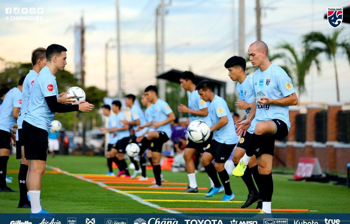 Đội tuyển Thái Lan gấp rút tập luyện cho trận đấu với Việt Nam ngày 5/9 tại vòng loại World Cup 2022. (Ảnh: FAT)