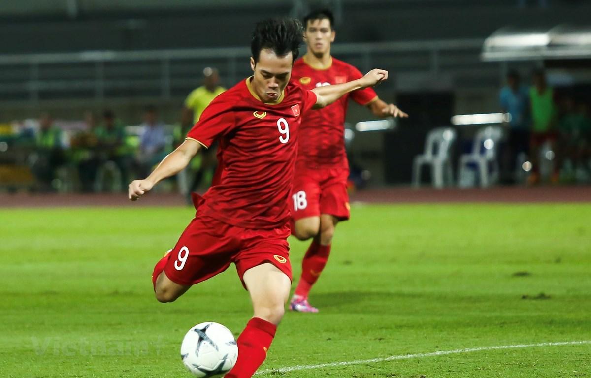 Tiền đạo Văn Toàn bỏ lỡ nhiều cơ hội trong trận đấu với Thái Lan tại vòng loại World Cup 2022 tối 5/9. (Ảnh: Nguyên An)