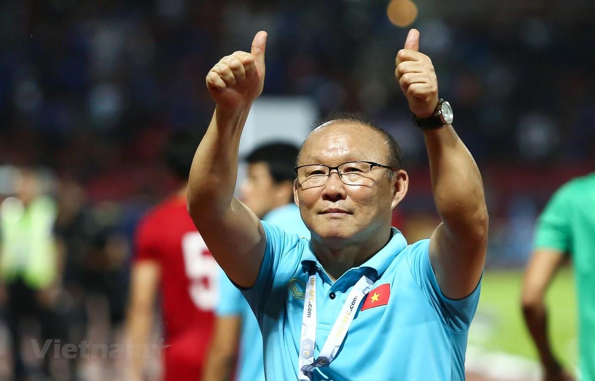 Huấn luyện viên Park Hang-seo và Liên đoàn bóng đá Việt Nam (VFF) chưa thể gia hạn hợp đồng mới. (Ảnh: Nguyên An)