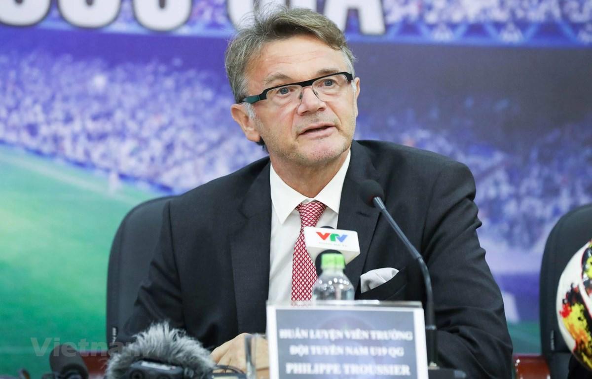 HLV Philippe Troussier coi bản thân như một trợ lý quan trọng của HLV Park Hang-seo nhằm hỗ trợ đạt mục tiêu chung giúp bóng đá Việt Nam thành công.