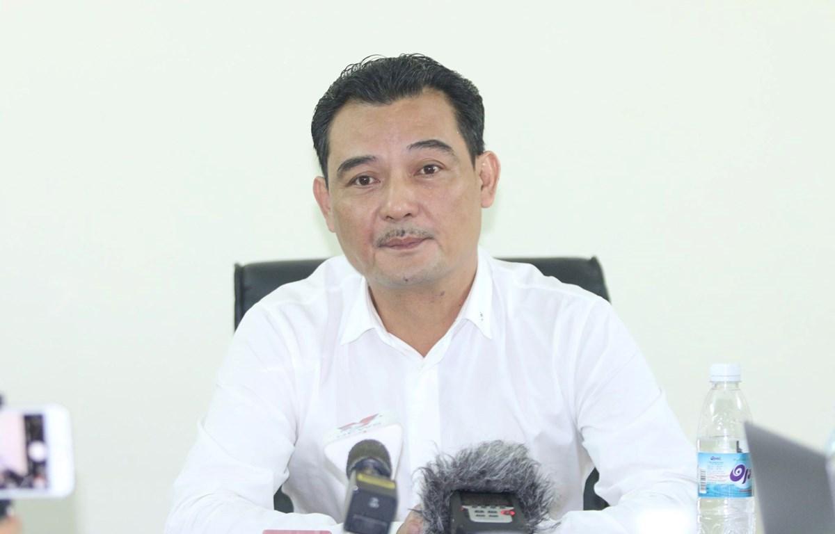 Ông Nguyễn Quốc Hội, Chủ tịch Công ty cổ phần thể thao T&T kiêm trưởng ban tổ chức sân trận Hà Nội FC với Nam Định gửi lời xin lỗi tới toàn thể cổ động viên. (Ảnh: Nguyên An)
